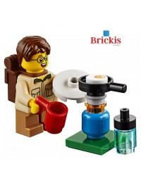 LEGO® minifiguur SCOUT op kamp met camping brander