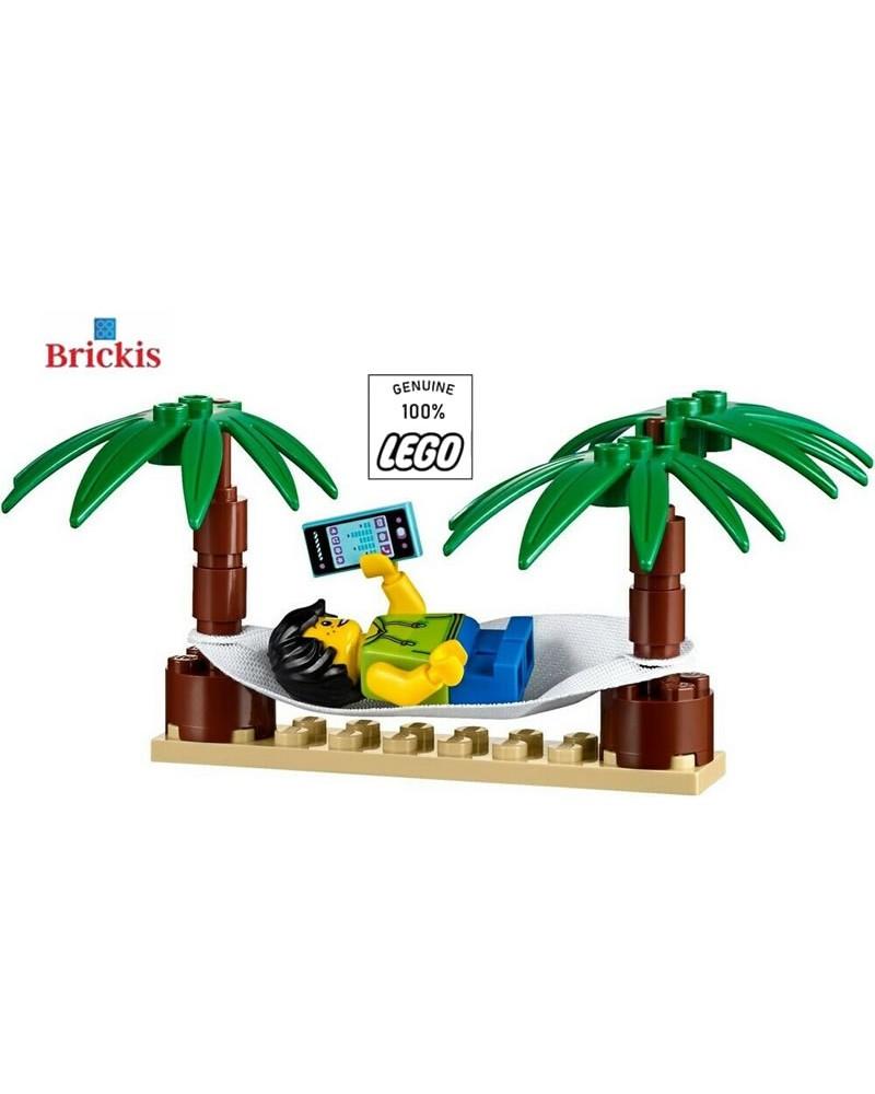 LEGO® Jongen Minifiguur in Hangmat op het strand met Palmbomen en Telefoon